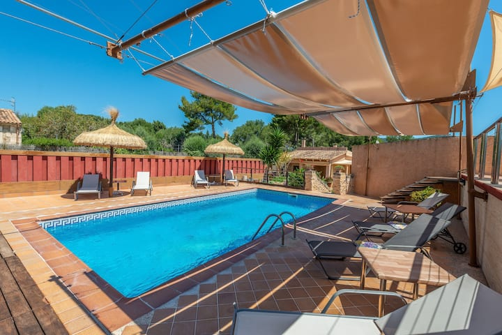 SA PLANA (TORRENT) - Magnificent country house with private pool and great barbecue area, located less than 2 km from the beach. Free WiFi