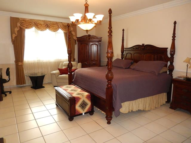 Master Bedroom has a King Size Bed. 1