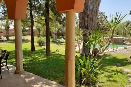 Villa Familliale jardin piscine Marrakech