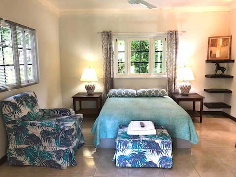 Private cottage in luxury,Rose Hall area