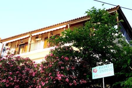 Crysanthi's - Studio 4/4 for rent, Syvota