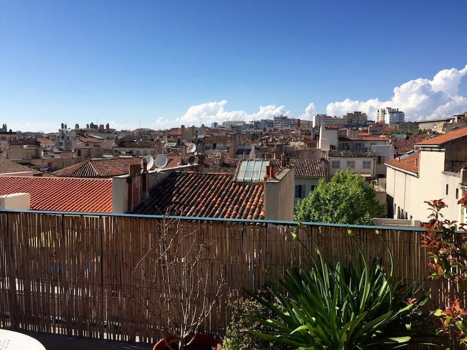 Vue dégagée sur Marseille