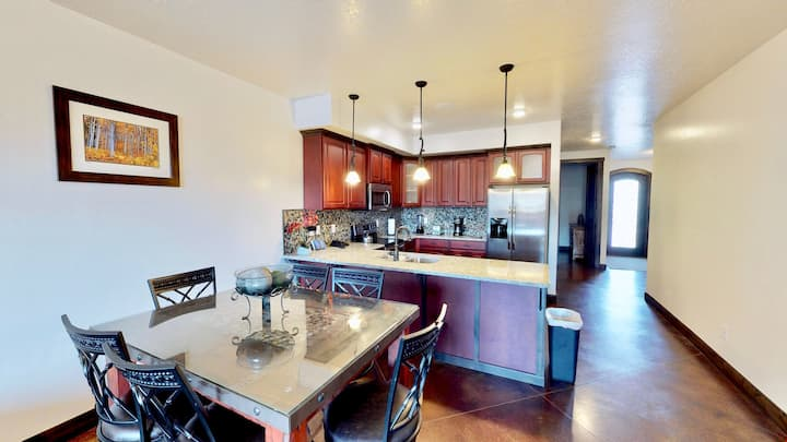 Paraiso ~ #8, New 2 Bed 2 Bath Condos On Main Street with Onsite Restaurants - Paraiso ~ #8