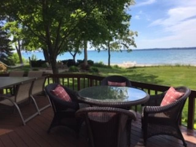 The Bayshore House BOOK OFF SEASON RATES Sept-May