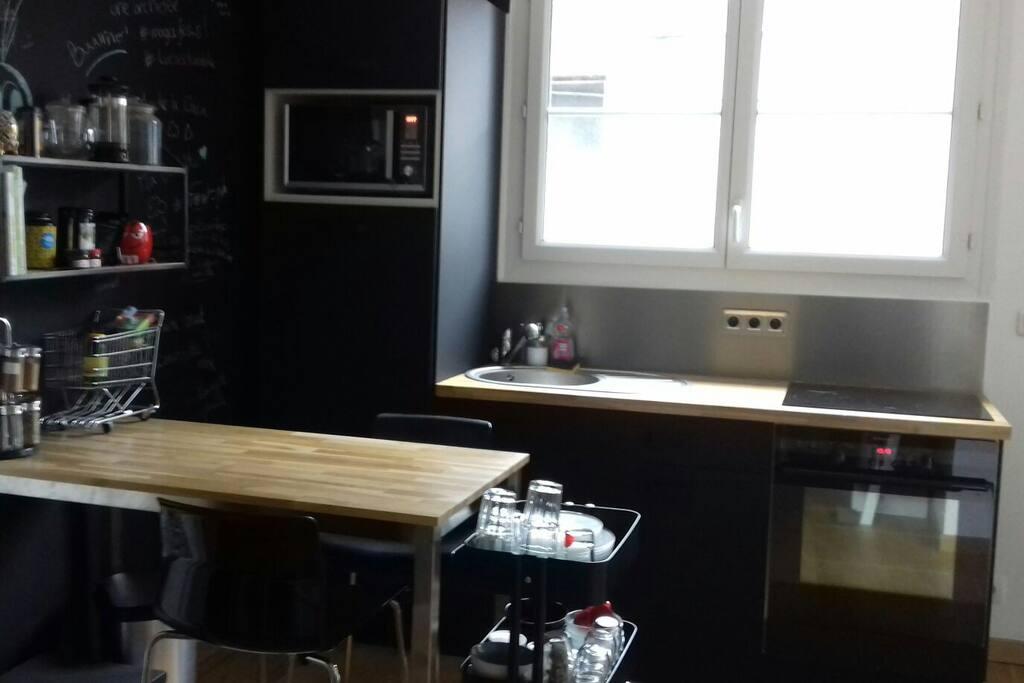 cuisine avec 2 places assises