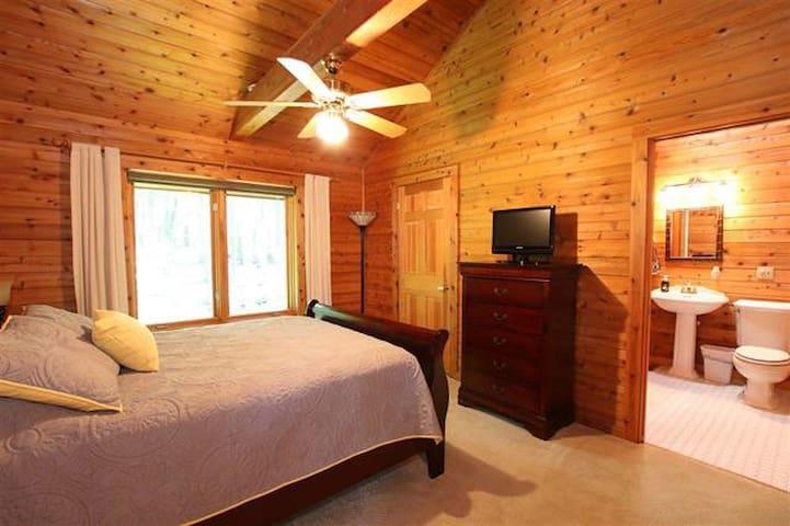 Main Floor Bedroom/ Sleeping area 2