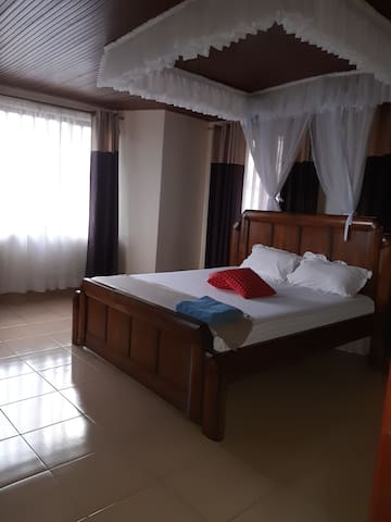 Safe House Apartments, Best Home stay in Kisumu!