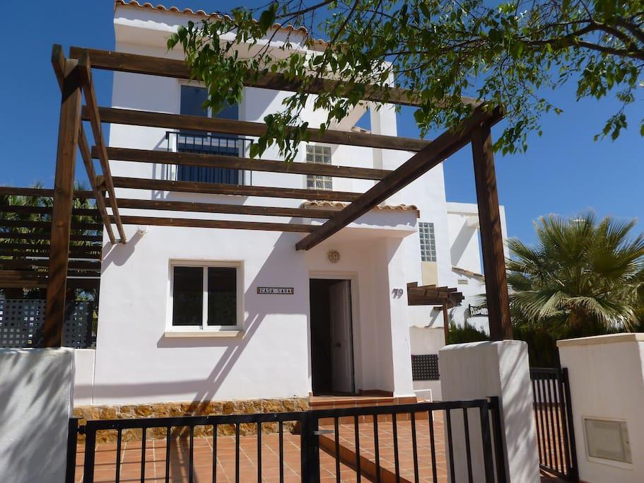 Front Casa Sara