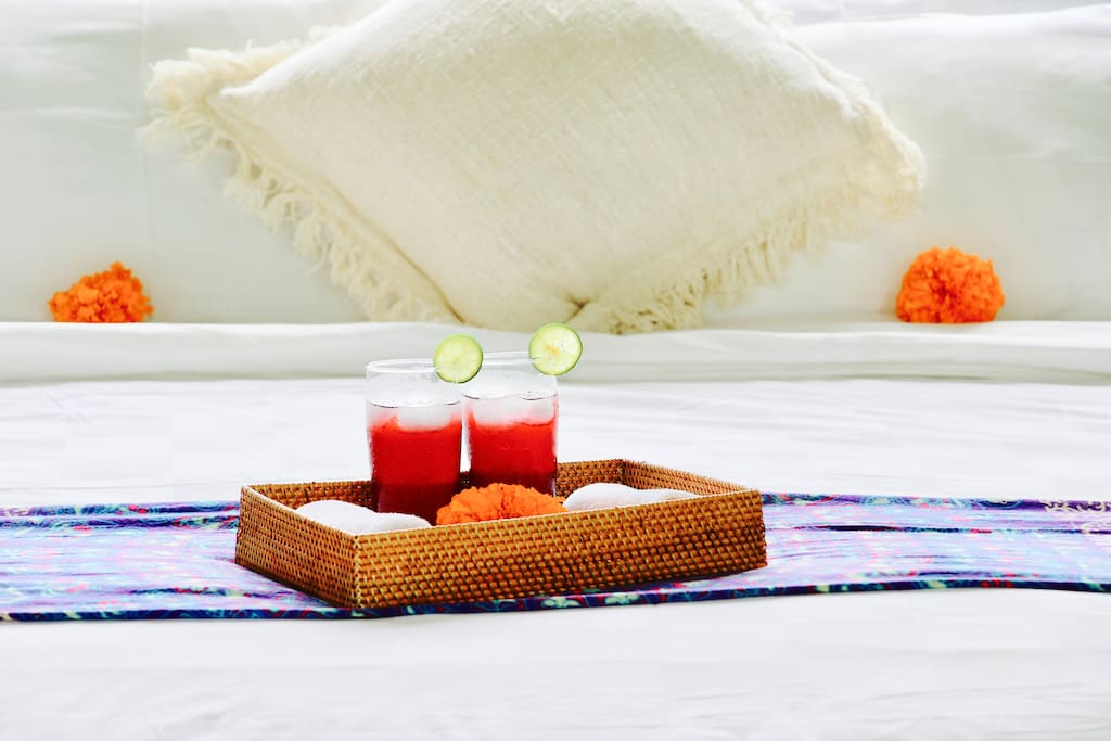 Refreshing welcome drinks { LUSH SUITE }Bedroom 4