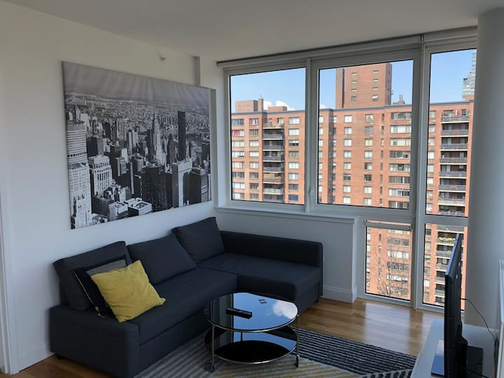 Central Park West Luxury One bedroom with Balcony