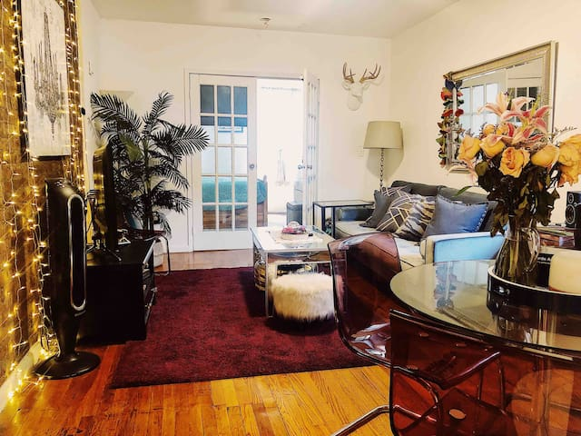 Amazing Boho-Chic apt in the Heart of East Village