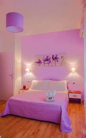 Camera con bagno privato nei pressi di Via Roma