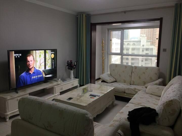 阳光精品家庭公寓中海凯旋门两室一厅,靠近农业大学,城市学院,科技馆,