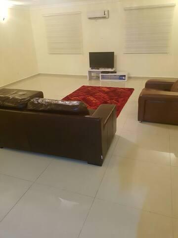 Room Tastefully Furnished Apartment - Abuja - Apartamento