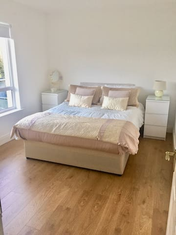 King Size Bed Double/Triple room, Private Bathroom