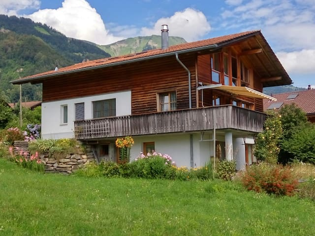 Spacious Chalet with a View - Schwanden bei Brienz - House