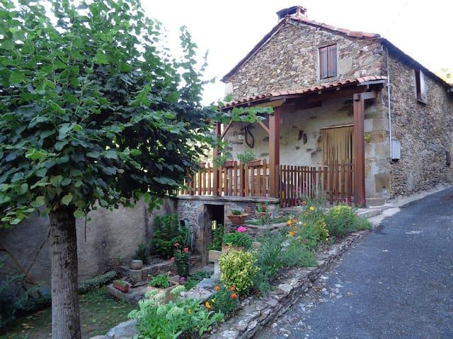 Maison de campagne (Aveyron) - Balaguier-sur-Rance - Hus
