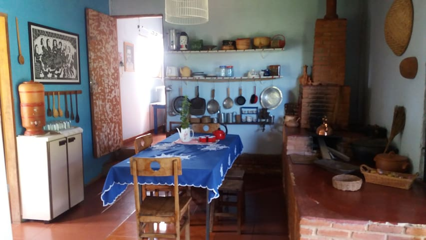 Hospedaria Casa Amarela - Alexânia - House