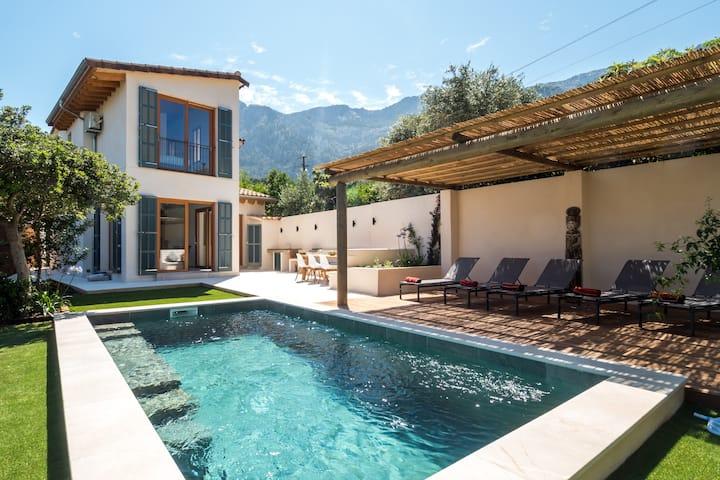 CAN BOU, Stilvolles Haus mit Pool