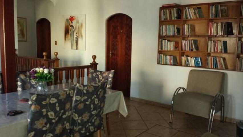 Pousada em Guarulhos quarto individual s/ suíte