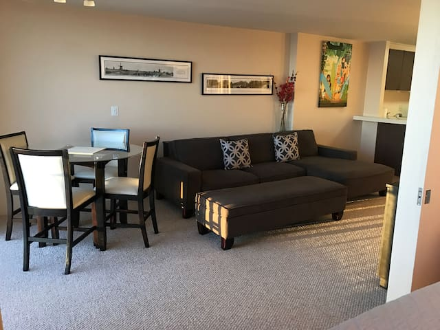 Waikiki Ocean View apartment with free parking