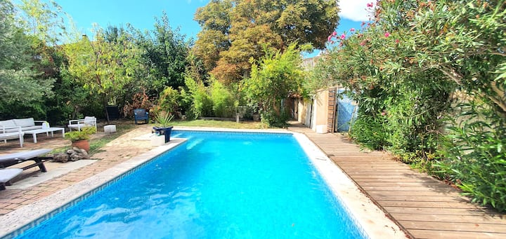 """the Garden House"", large terrace, garden, pool"