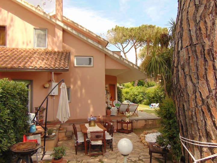 Casa di Margherita, 6 posti, Tarquinia,  giardino