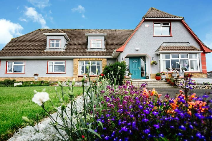 Enniscrone, Eagle Heights, friendly and cosy