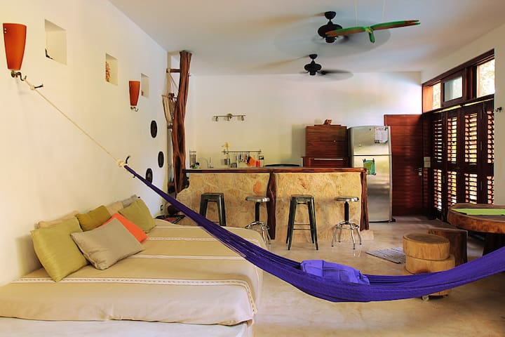 ROMANTIC CONDO IN TULUM W/POOL IDEAL TO CHILL OUT