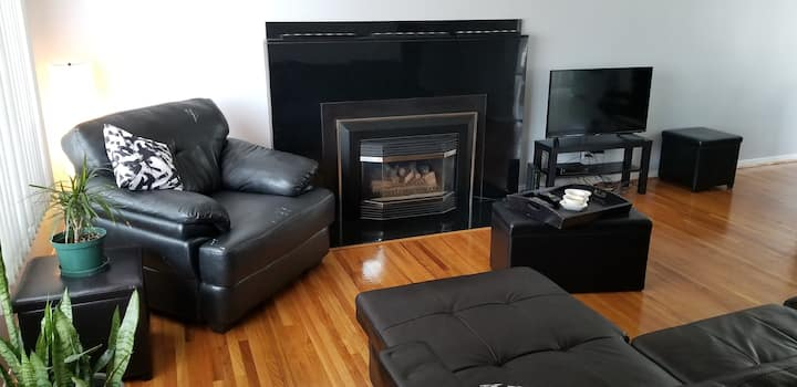 Executive Cozy Master Bedroom in northend