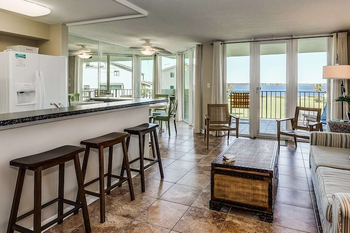 Fully Updated New Listing With Large Private Balcony - Great Location With Wonderful Water Views