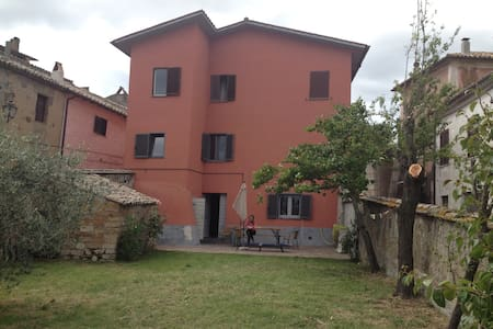 Beautifull authentic basic house