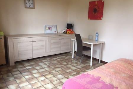 Cozy room in Nevele - Nevele - House
