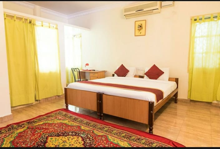 Private Balcony Room Indiranagar near 100ft road