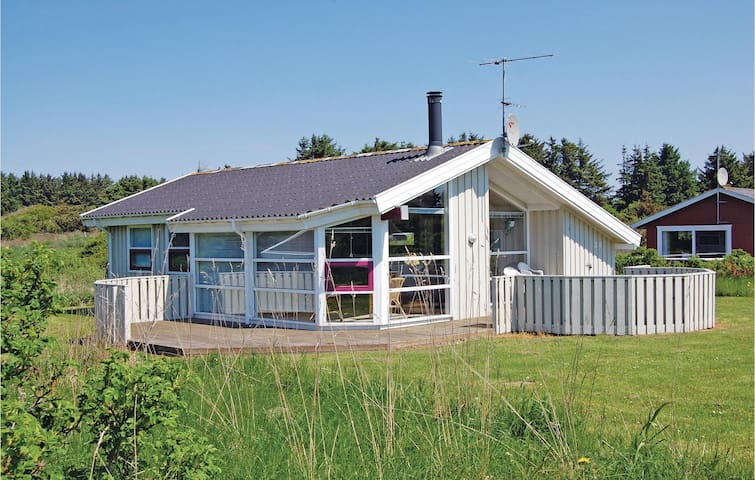 Holiday cottage with 3 bedrooms on 81m² in Hjørring