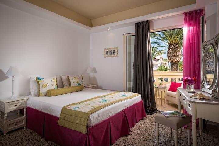 Drossia Palms Junior Suite-PoolView