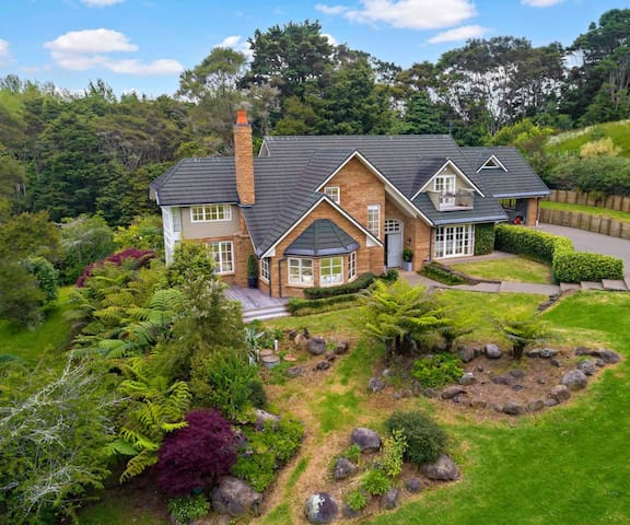 ☆ Secluded & Luxury Hillside Country Retreat ☆