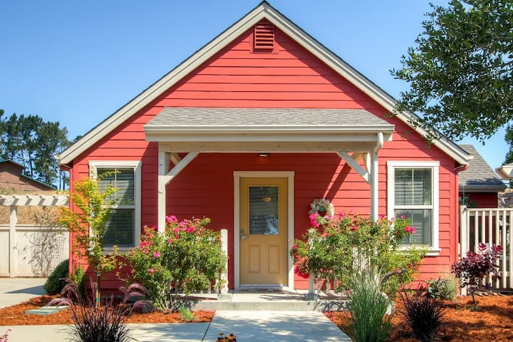 Serene Bungalow-Style 2BR Point Reyes Station Home