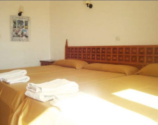 Cozy room €350for 1month till april - Sant Antoni de Portmany - Schlafsaal