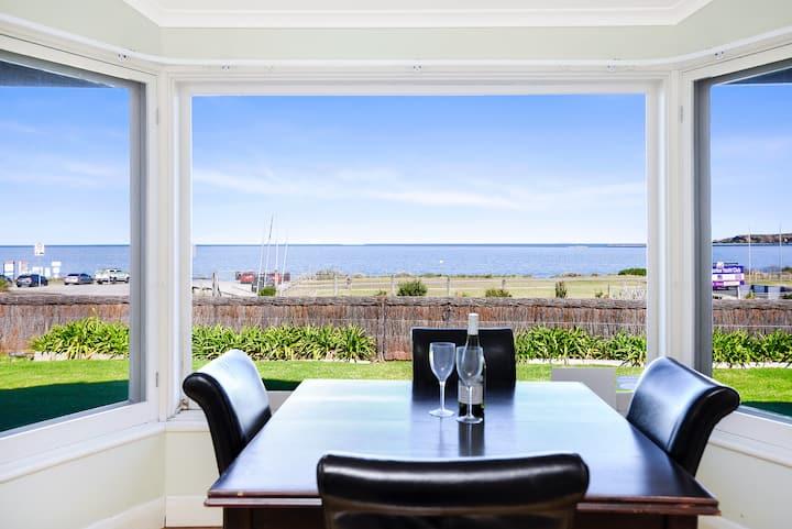 ❤️ 'Victor Harbor Beachfront Bliss' ❤️ + WiFi