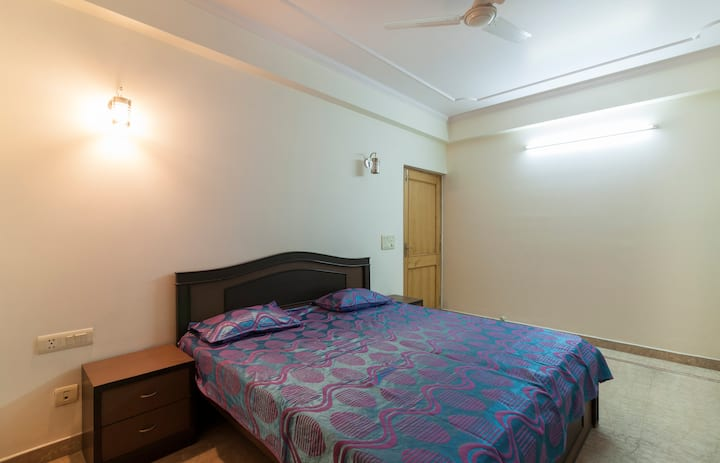 Harshey's 3 bedroom apt in the heart of JAIPUR