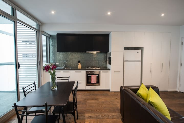 2 bd - Unbelievable location, cosy and modern.