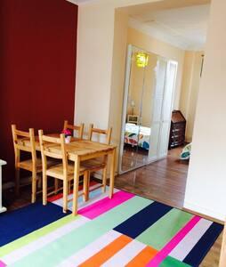 Comfortable studio - Schaerbeek - Wohnung