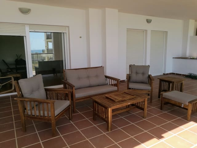 Apartment close to the beach with large terrace