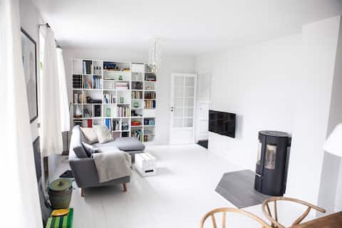 Old cozy house with free parking close to CPH