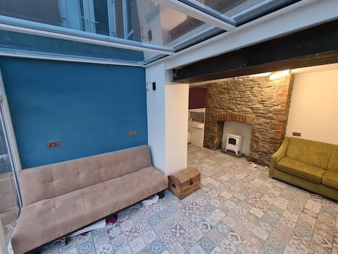 Apartment near Brecon Beacons and Bike Park Wales