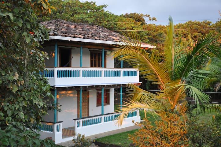 spacious, garden guesthouse in San Agustin, - San Agustín - Pensió