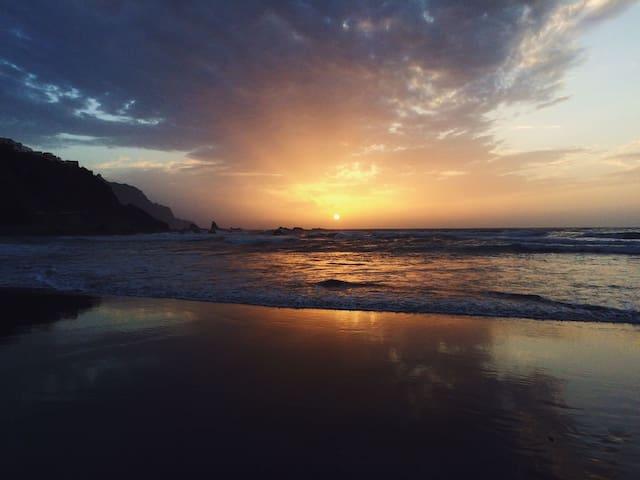 Casa para tocar el cielo, la montaña y el mar