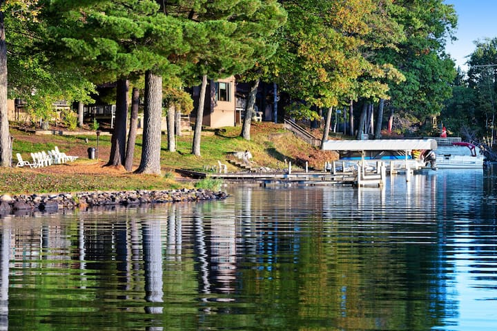 Dog-friendly suite w/ shared dock, tennis, basketball court & water views!