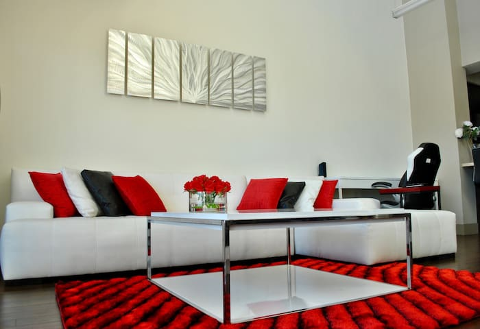 Luxury Penthouse in the Heart of Hollywood - Los Angeles - Flat